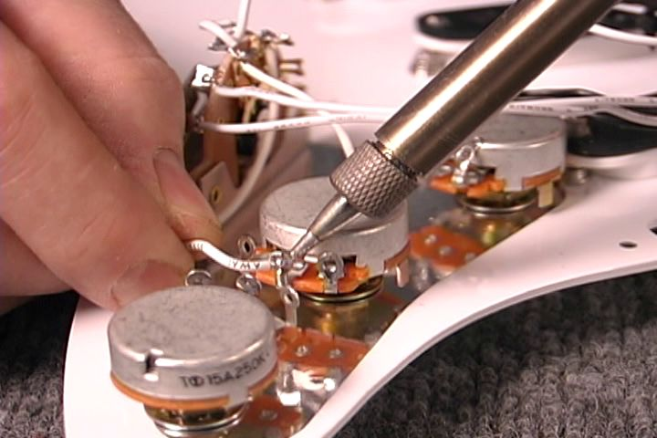 Dan Erlewine - How to Wire a Fender Guitar Full 1 DVD