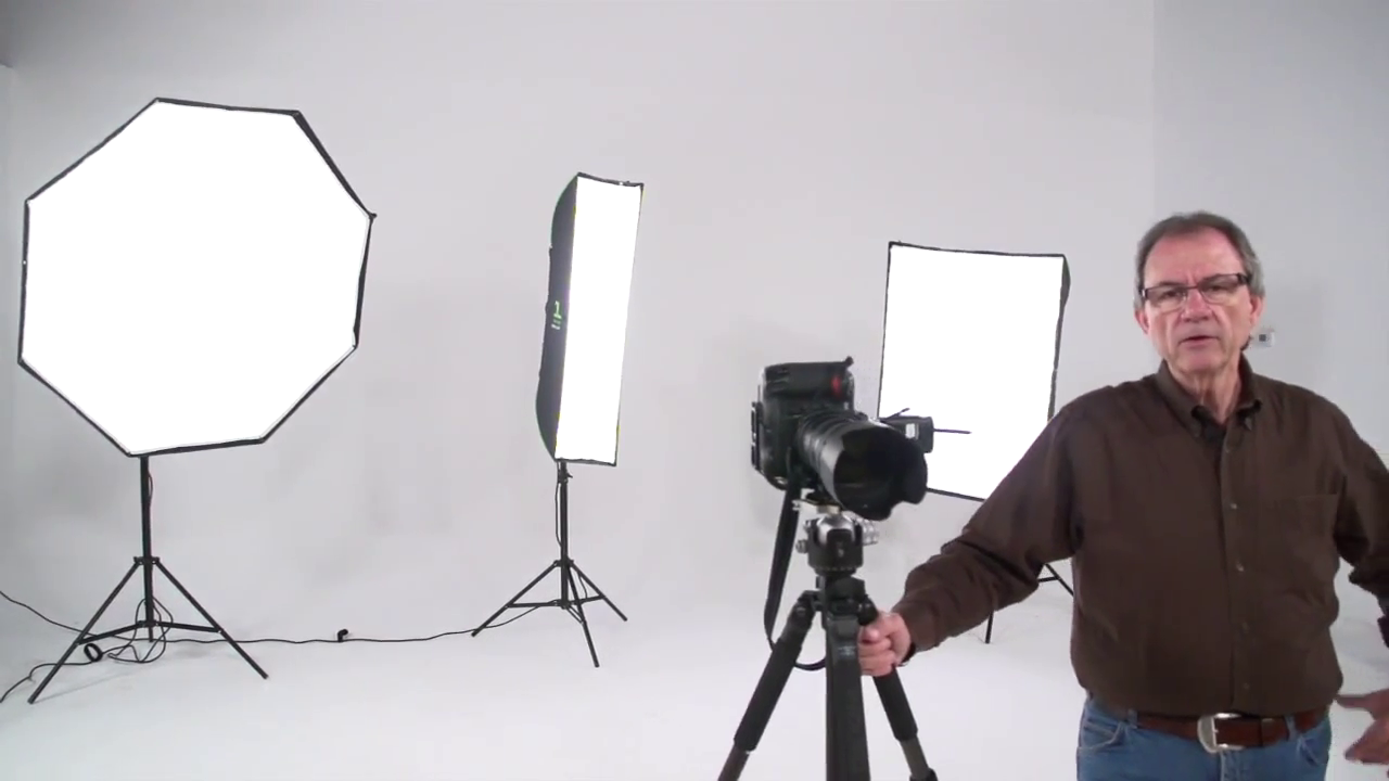 Simple Lighting Techniques for Photographers with Tony Corbell [repost]