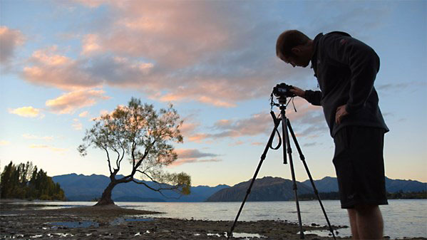 Lynda - Chasing the Light at New Zealand's Lake Wanaka